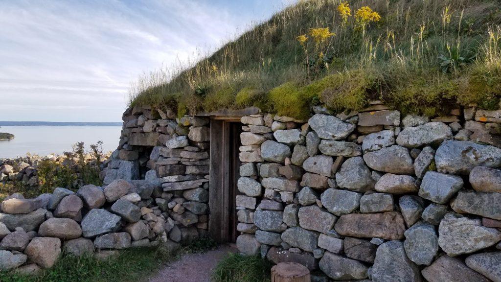 Entrée de la maison ronde gaélique