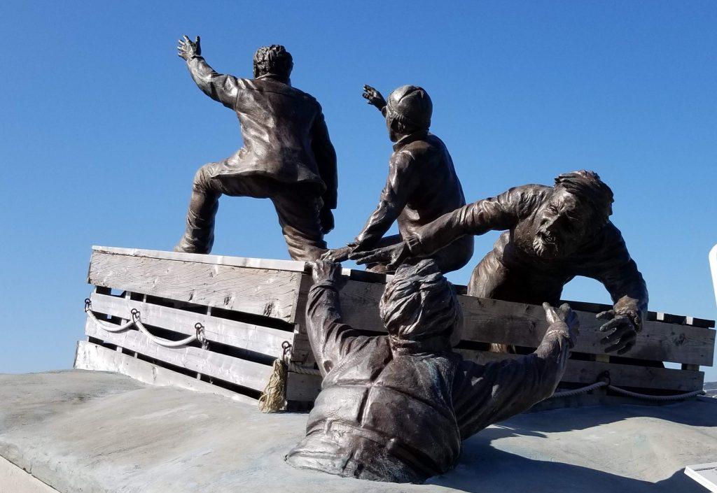 Monument aux marins marchands sauvés des eaux